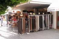LEATHER & FASHION ACCESSORY SHOP